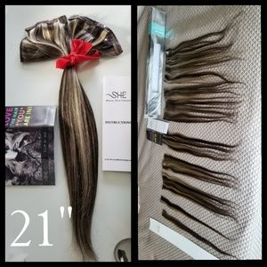 """Shilo Remy 21 """" Hair extensions"""